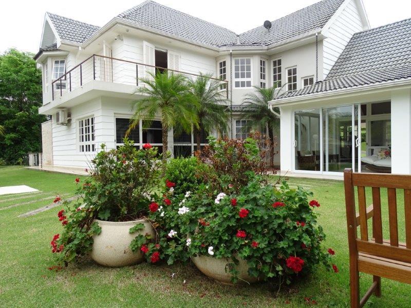 casa à venda no fazenda vila real em itu, sendo 4 suítes, 827,30 m². com 6...