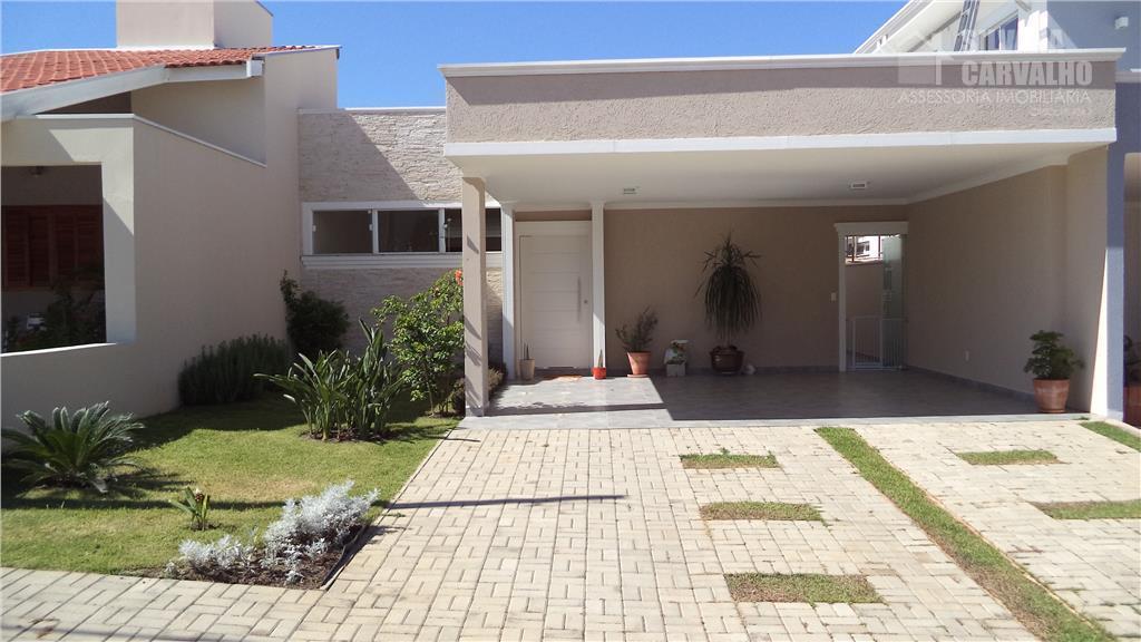Casa à venda no Condomínio Costa das Areias em Salto