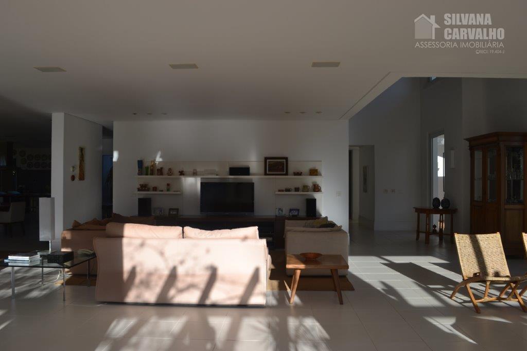 imóvel com ótima localização, ambientes iluminados com luz solar e amplos com excelente acabamento, área gourmet...