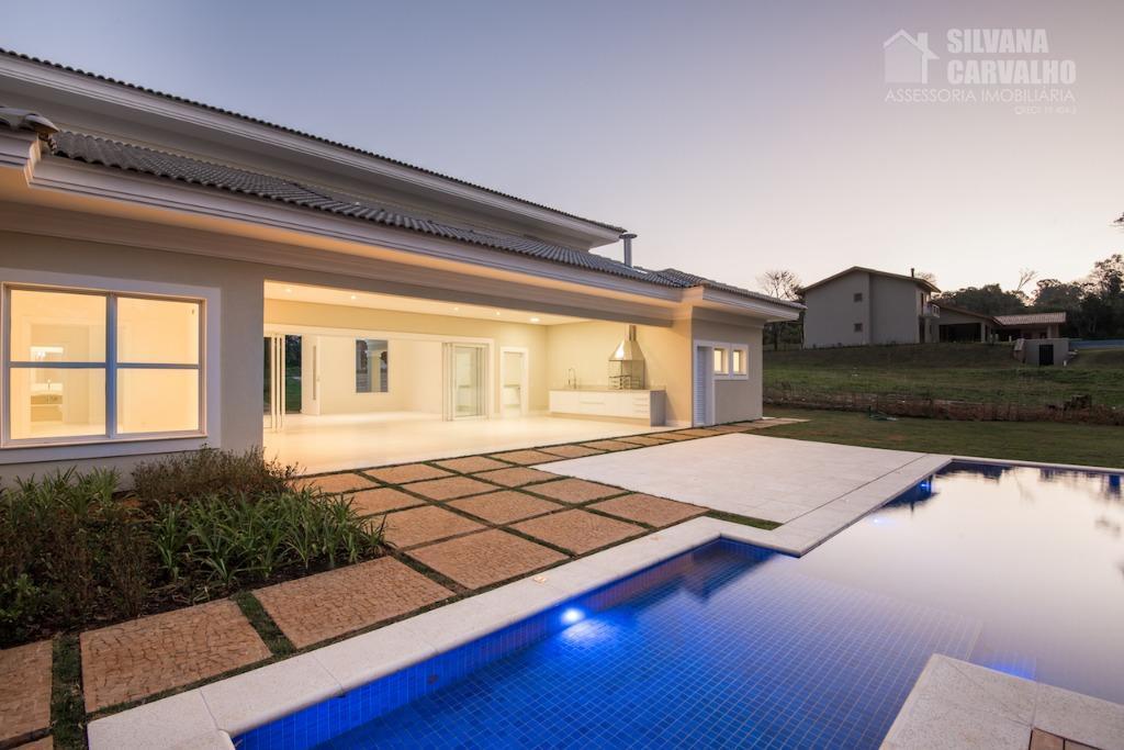 belíssima casa em estilo contemporâneo, para quem quer estar perto da tranquilidade do interior, mas não...