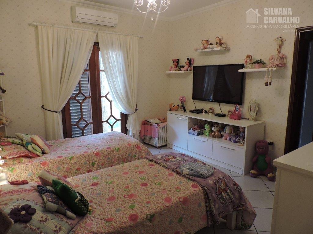 casa à venda no condomínio village castelo em itu, com 1500 m² de área total sendo...