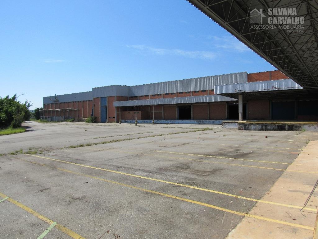 oportunidade em área industrialampla área construída em 6 galpões principais184.845,00 m² de área total terreno73.588,66 m²...