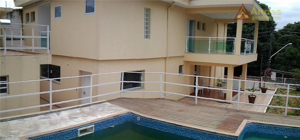 Amplo sobrado 4 suítes c/ piscina localização nobre
