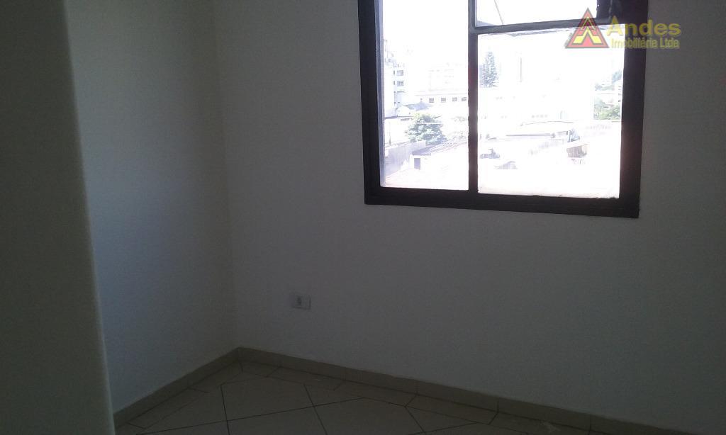 Sala 40mts naHenrique Bernardeli-Santana