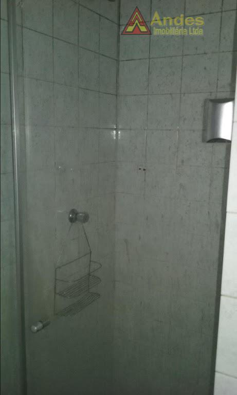 Apartamento de 1 dormitório e 1 vaga em travessa da Rua Liesta-Lauzane