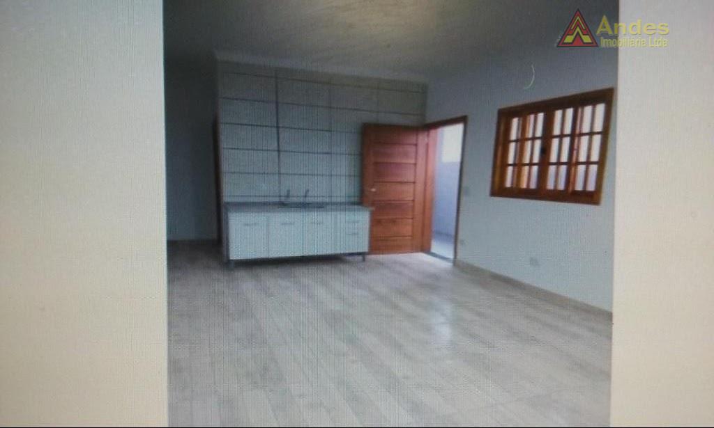 Casa tipo Kitinete Santa Terezinha 1.000/mês