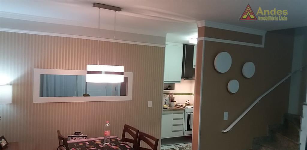 Linda casa em condominio