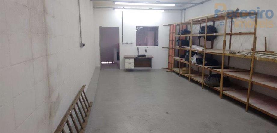 Galpão para alugar, 256 m² por R$ 3.000/mês - Cidade São Mateus - São Paulo/SP