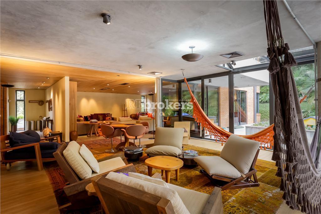 Casa de luxo em condomínio fechado, 04 suítes, Campo Comprido, Curitiba, REbrokers Imóveis.