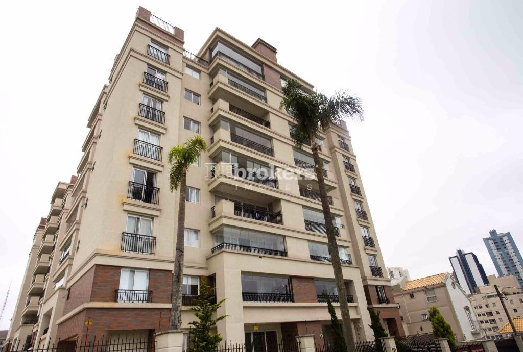 Revenda Apartamento no melhor do Cristo Rei, 3 quartos, 2 vagas, sacada com churrasqueira a carvão, Curitiba, REbrokes Imóveis