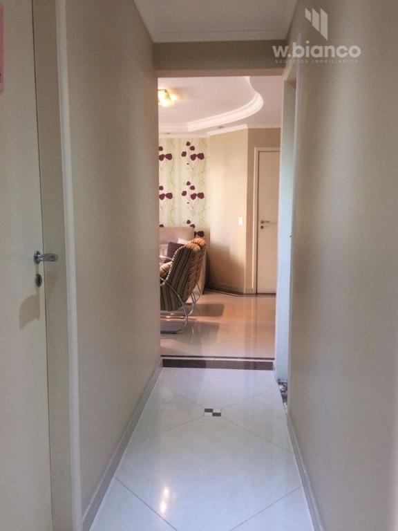 apto com 3 dormitórios com armários planejados, closet, sendo 1 suite com hidro, wc social, sala...