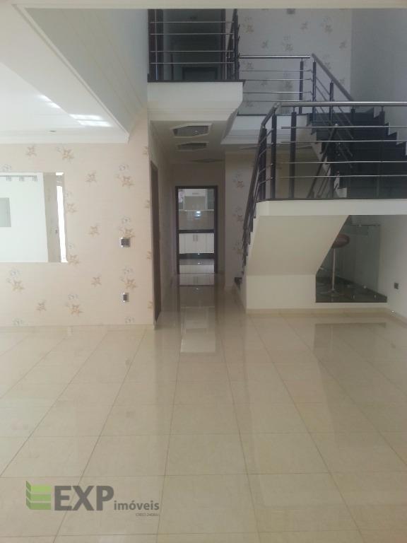 Sobrado residencial para venda e locação, Braz Cubas, Mogi das Cruzes.