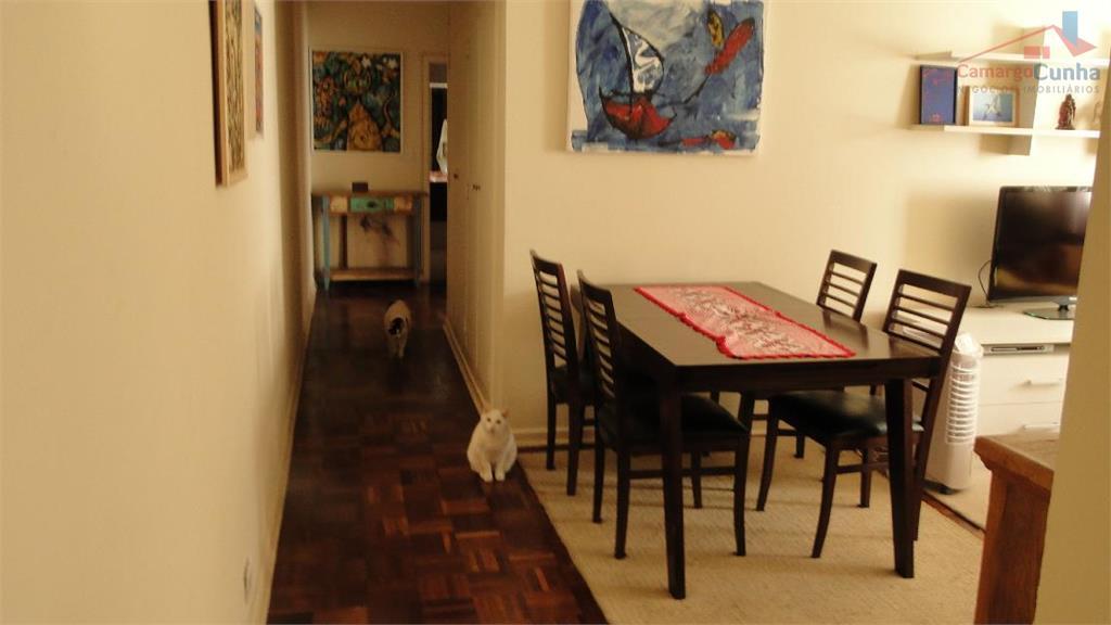 Excelente apartamento com 90 metros, ótima localização, próximo ao Ibirapuera.