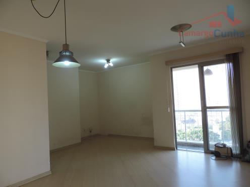 Apartamento com 68 metros, dois dormitórios sendo uma suíte, andar alto, vista livre.
