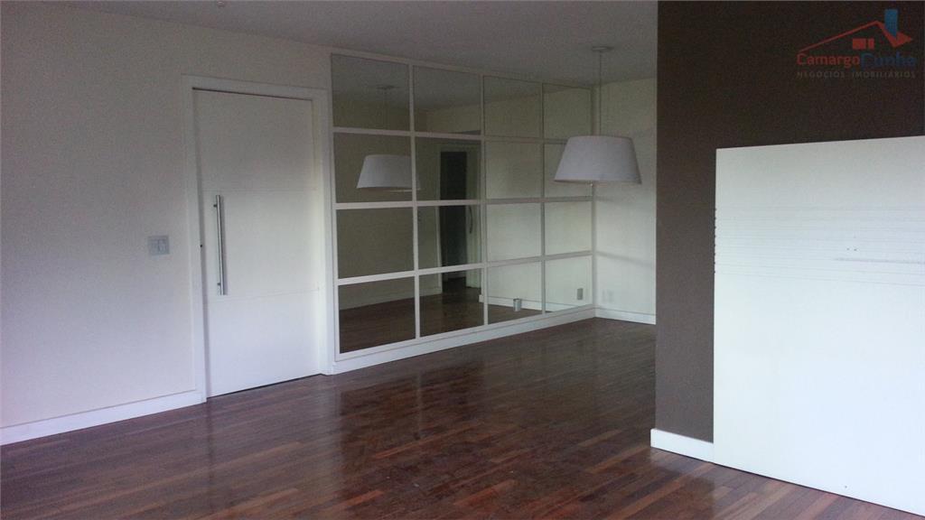 ESTUDA PERMUTA! Apartamento com 136 metros, 3 dormitórios e 3 vagas.