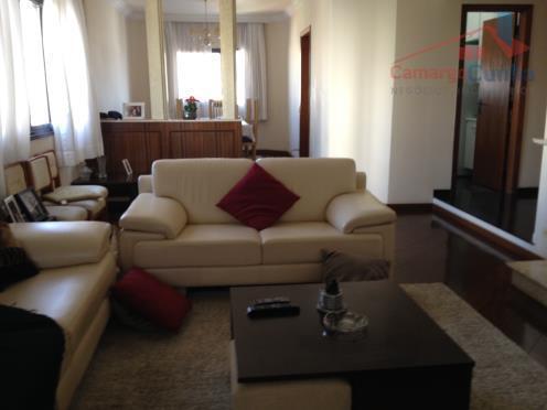 - Apartamento amplo com 147 metros, 03 dormitórios sendo 01 suíte, 03 vagas de garagem.