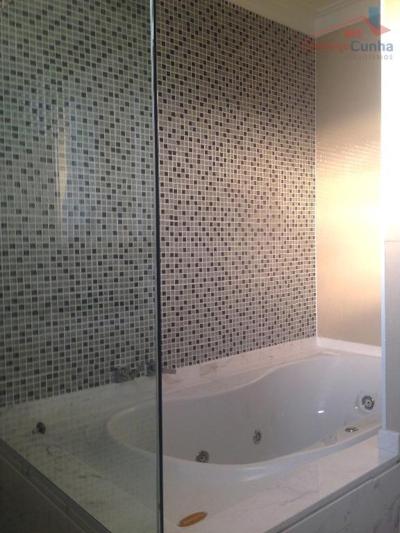 belíssimo sobrado em condomínio fechado, 280 m², 4 dormitórios sendo duas suítes, 3 vagas, armários planejados...