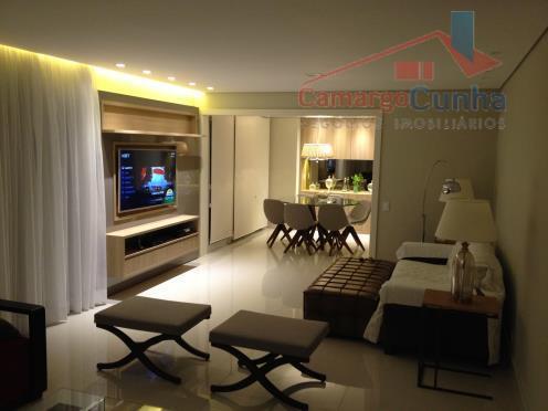 Belíssimo apartamento com 200 metros! Estuda permutar!!!!