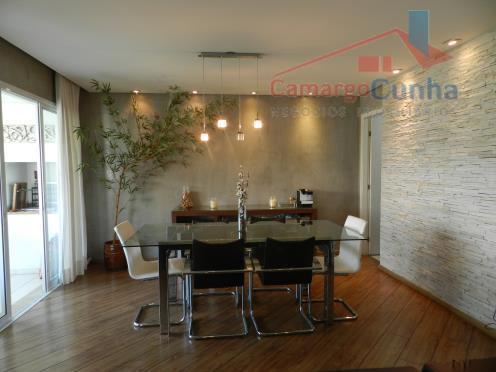 Belíssimo apartamento com 142 metros, melhor localização do Panamby.