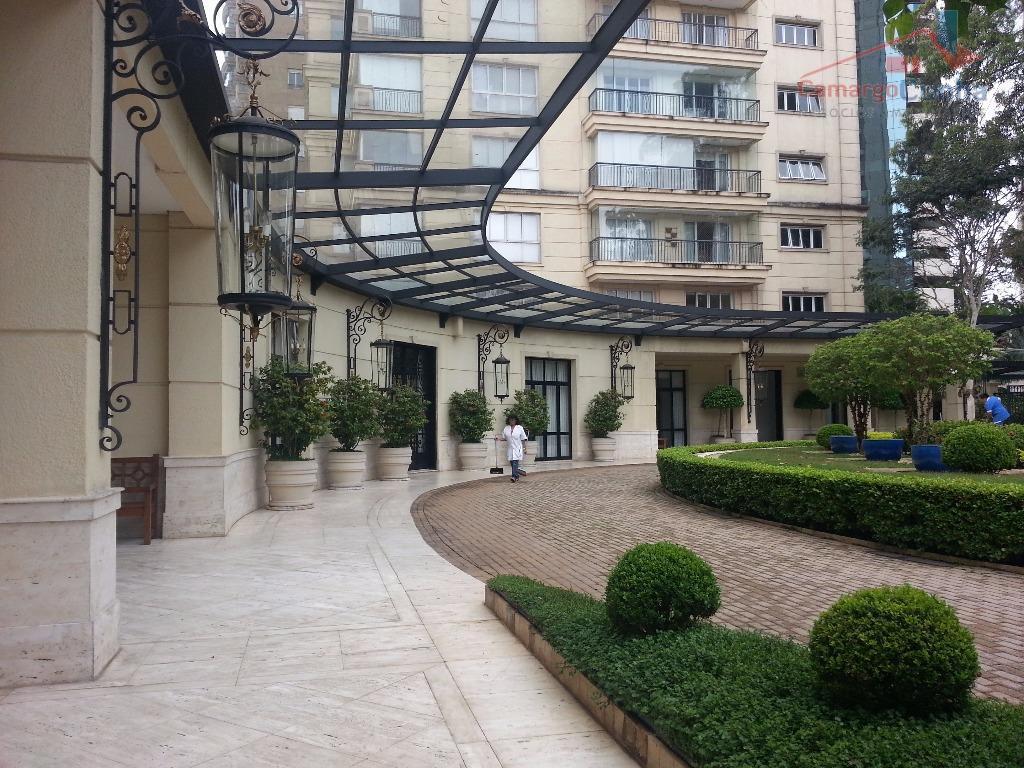 ALTÍSSIMO PADRÃO com 607 m², vista privilegiada para o Parque Burle Marx.