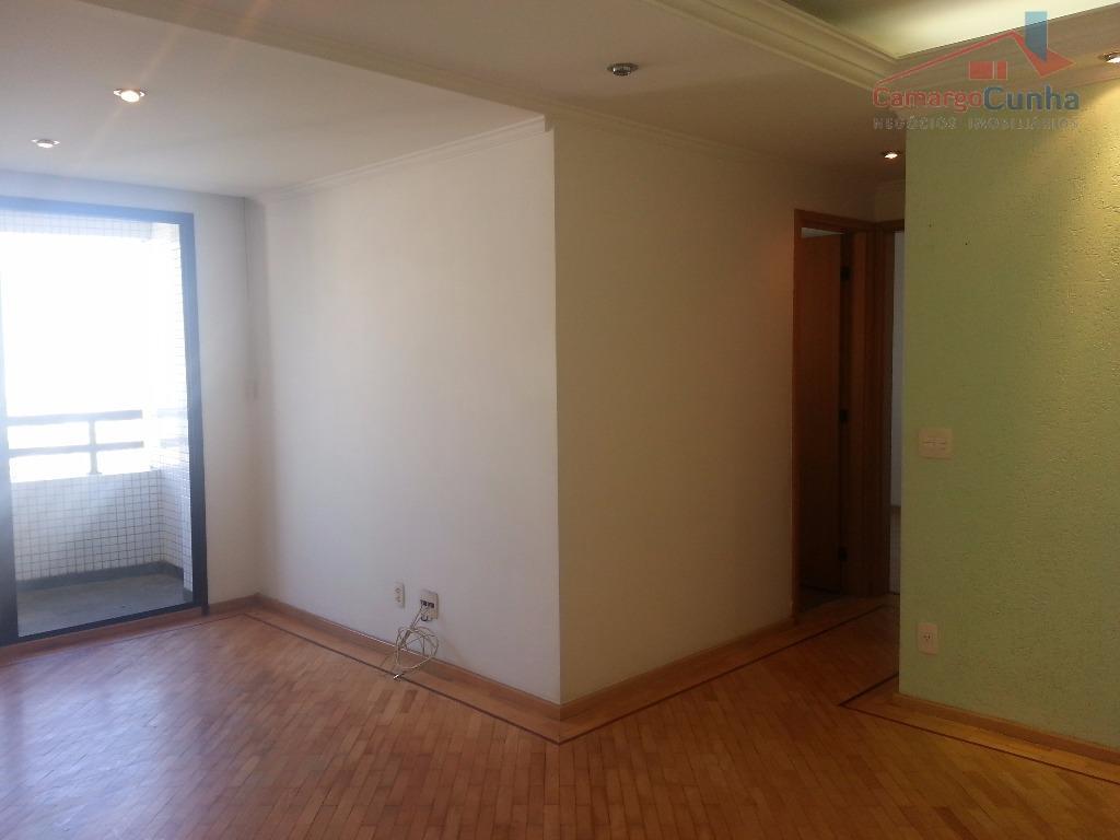 Belíssimo apartamento com 59 metros, duas vagas livres e demarcadas. Imperdível.