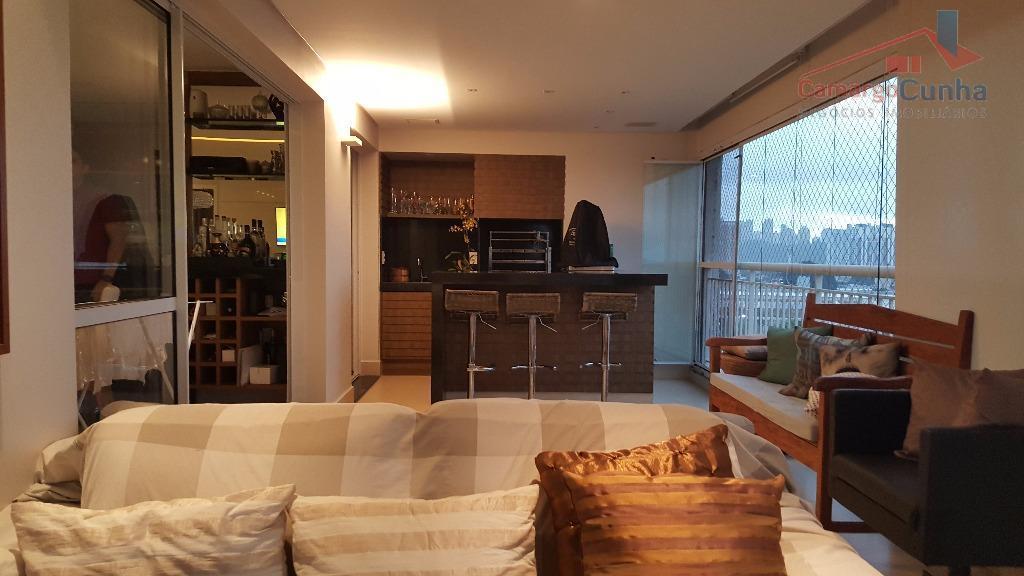 apartamento com 130 metros, 3 dormitórios sendo 1 suíte, com ar condicionado em todos os ambientes,...