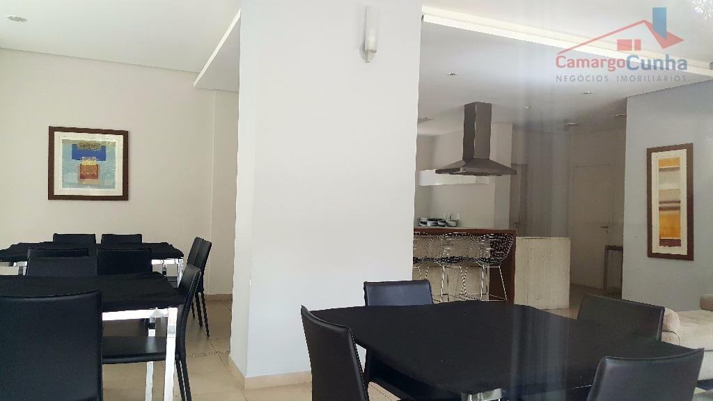 belíssimo apartamento com 100 m², completamente reformado e com bela vista. localizado no panamby, mais precisamento...