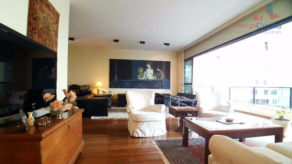 belíssimo apartamento alto padrão na melhor lacalização de são paulo. são 3 suítes, sala 3 ambiemtes,...