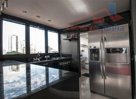 belíssima cobertura com 142m², 2 dormitórios sendo uma suíte, três vagas de garagens, três varandas, quatro...