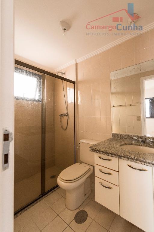 apartamento com 140 metros, 4 dormitórios sendo duas suítes, escritório, lavabo, terraço, área de serviço, quarto...
