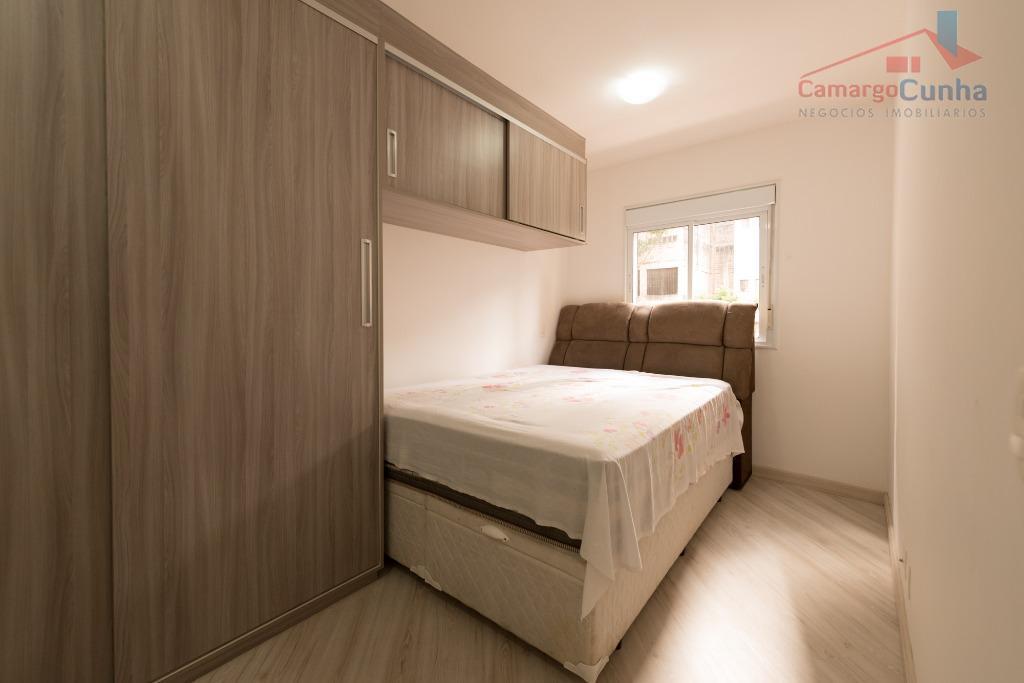 belíssimo apartamento com 80 m², 3 dormitórios sendo uma suíte, varanda com churrasqueira, 2 vagas fixas...