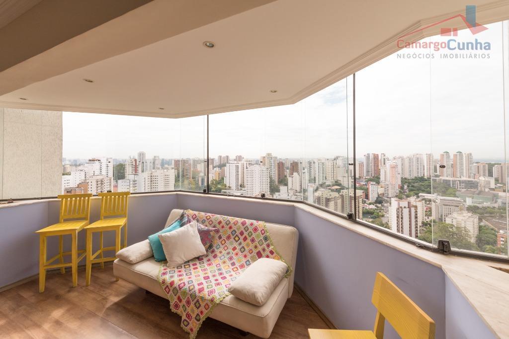 Oportunidade! Apartamento com vista maravilhosa em andar alto.