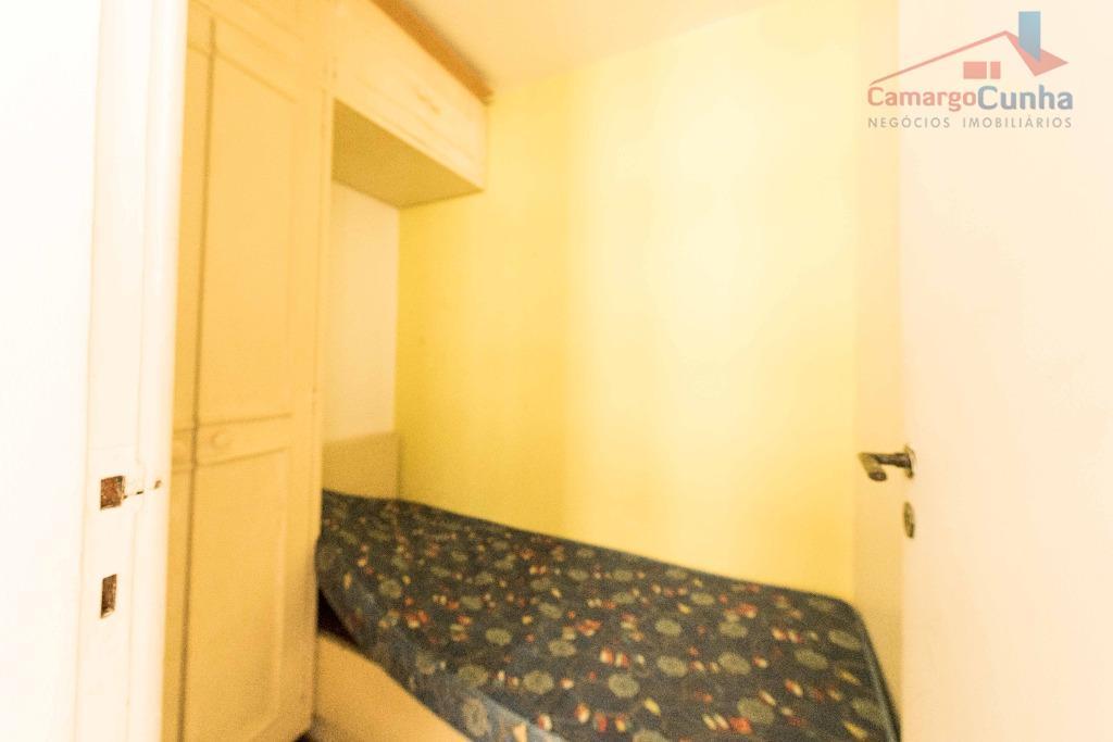 apartamento com 160 m², possui 03 dormitórios sendo 01 suíte e 02 vagas de garagem, sala...