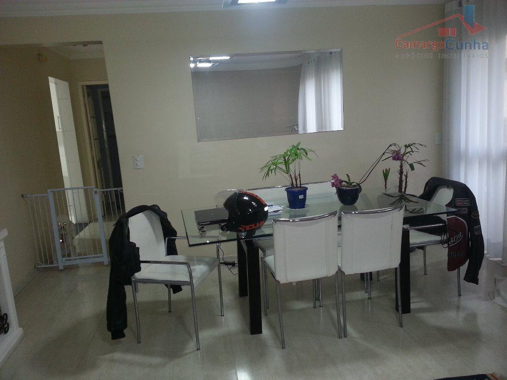 Apartamento novo com 105 metros, possui 03 dormitórios sendo uma suíte e duas vagas.