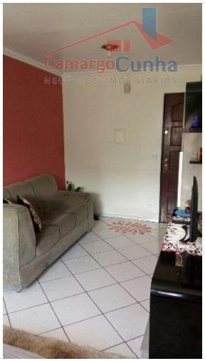 Apartamento bem localizado com 48 metros, possui 2 dormitórios e uma vaga.