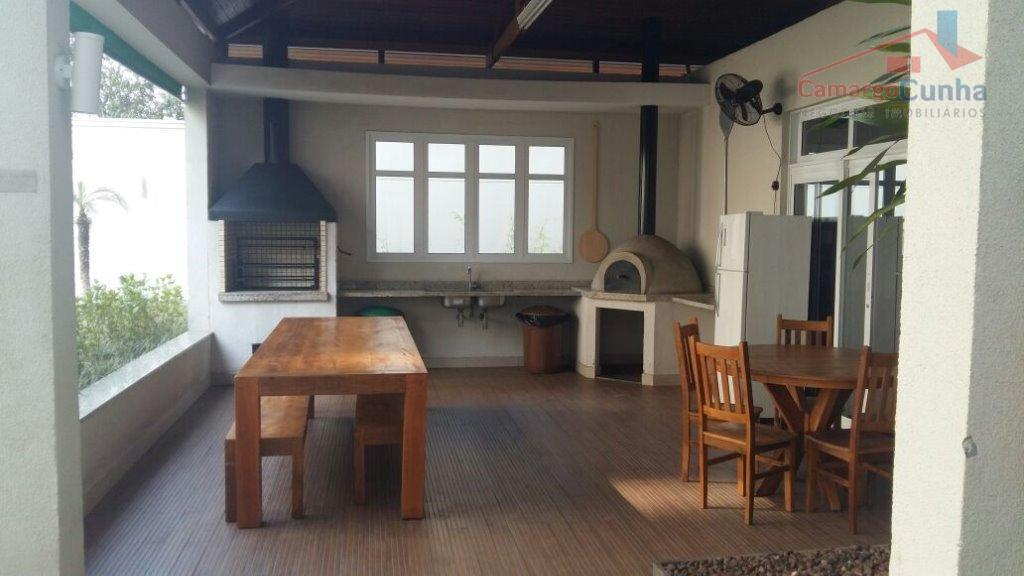 apartamento com 55 metros, possui planta reversível, sala e quarto ampliados. tem possibilidade de ter 2...