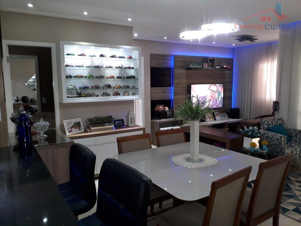 Apartamento bem localizado com 88 metros, possui 02 suítes e duas vagas.