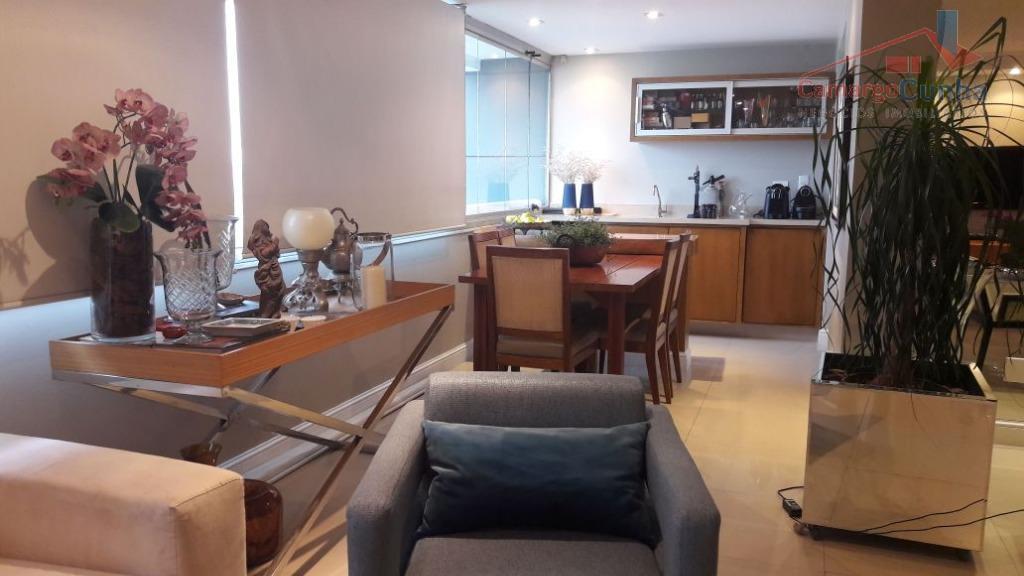 Apartamento bem localizado com 172 metros, possui 03 suítes e 03 vagas.