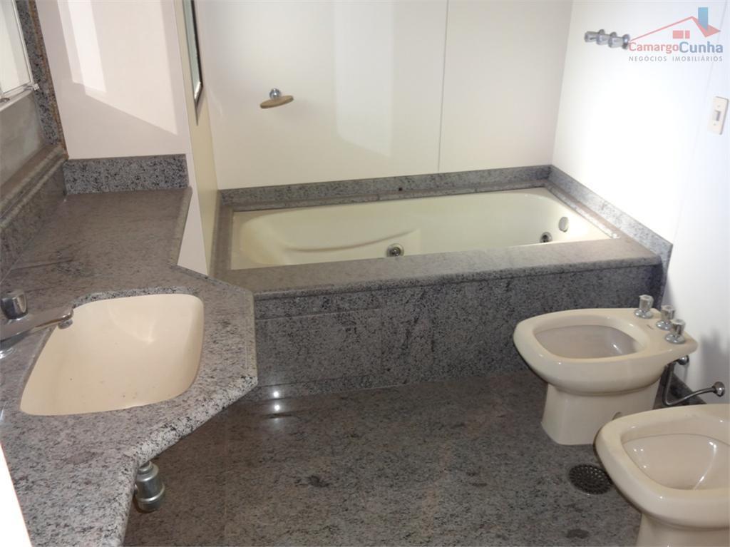belíssimo apartamento com 137 m² e toda infra-estrutura que sua família precisa. excelente apartamento com 3...
