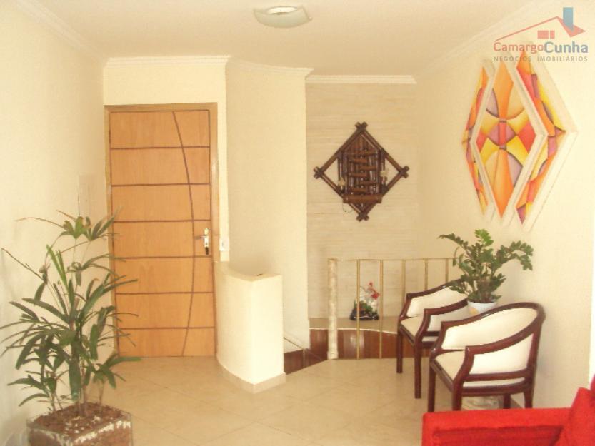 Apartamento duplex mobiliado, com 2 vagas, em frente ao Mac Donalds.