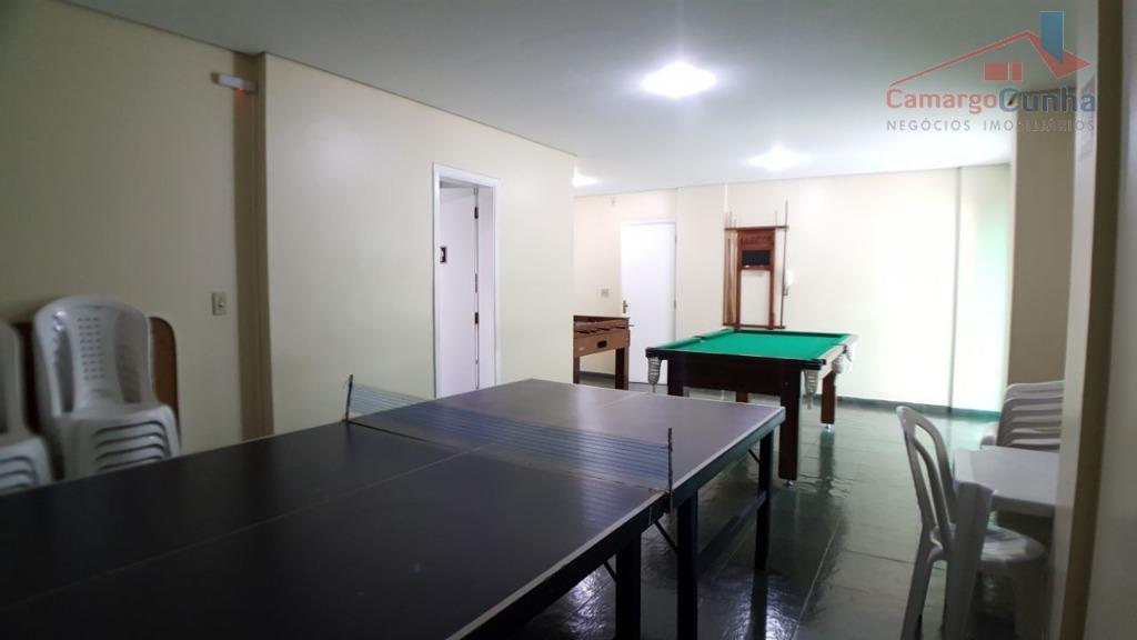 apartamento com 55 m² com 02 dormitórios e 01 vaga de garagem, sala com dois ambientes,...