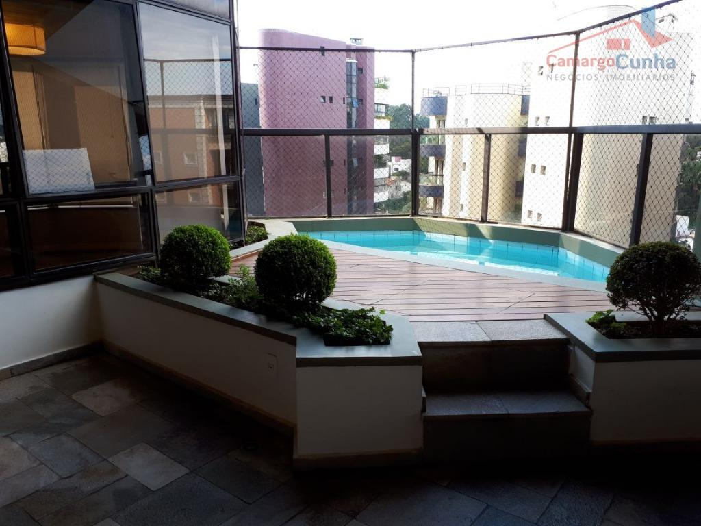 Apartamento com 258 metros, com 04 dormitórios sendo 02 suítes e 04 vagas.