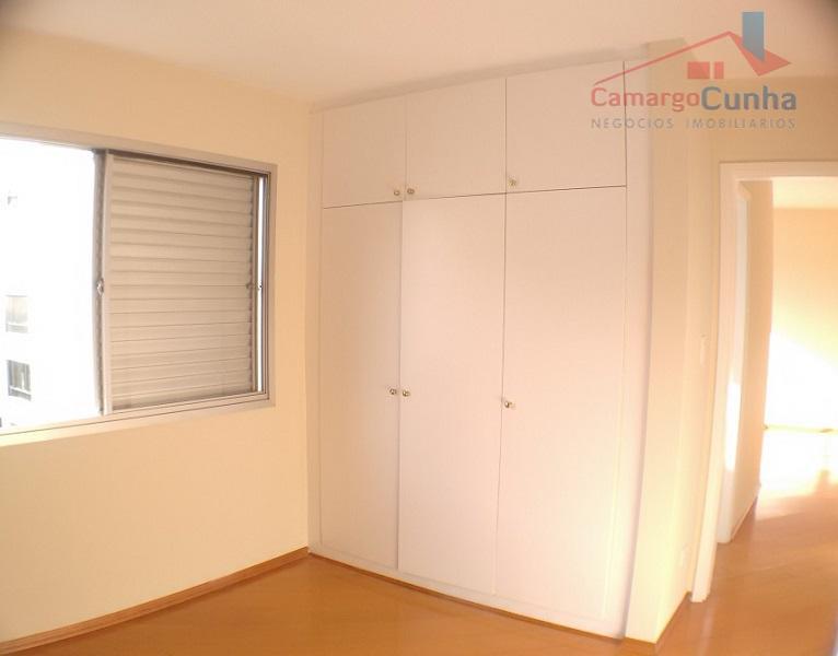 apartamento clean, 81 metros com linda vista permanente, janelas grandes, ensolarado face norte, amplos ambientes, dois...