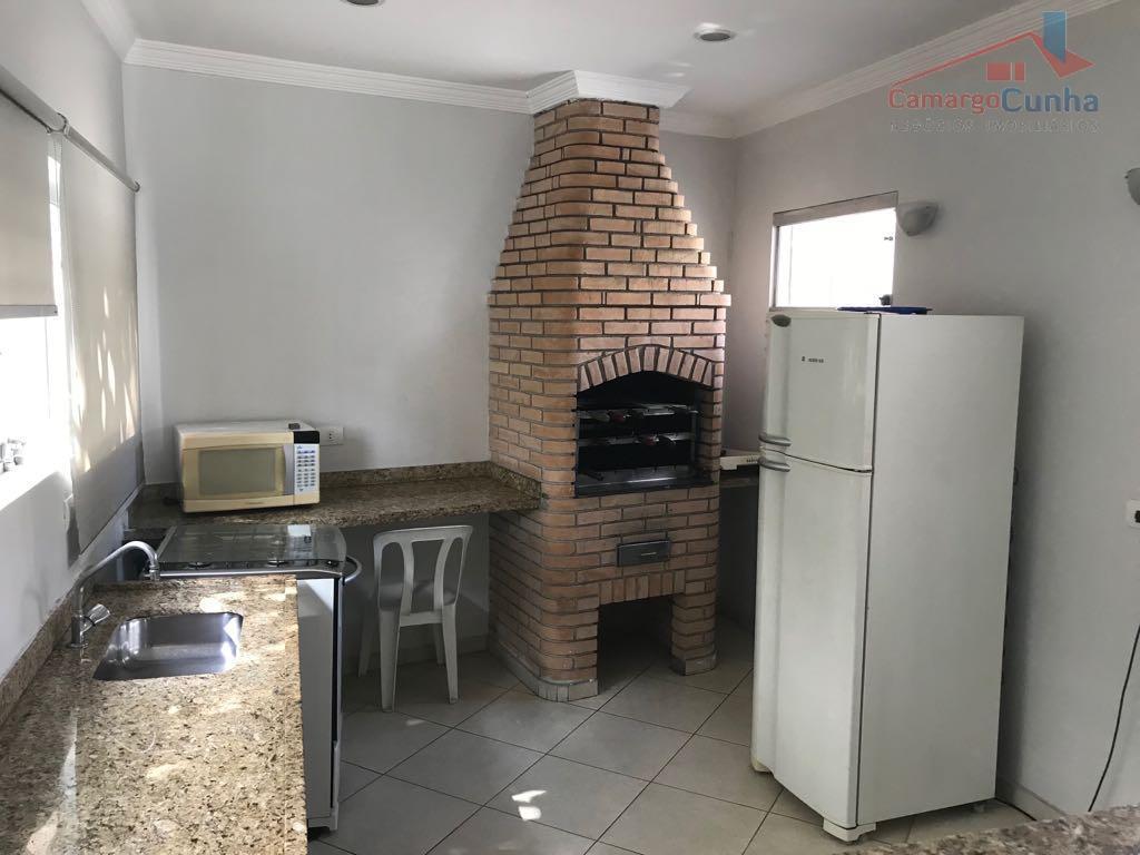 apartamento com 171 m², possui 3 suítes e 3 vagas de garagem, sala com dois ambientes,...