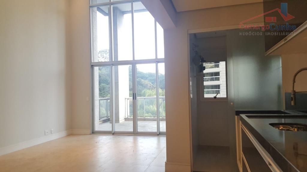 Apartamento bem localizado com 97 metros, 02 dormitórios sendo uma suíte e duas vagas.