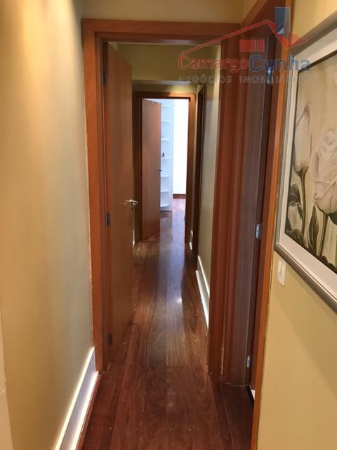 apartamento 138 m² reformado por arquiteto com 03 suítes (4º dormitório foi transformado em sala de...