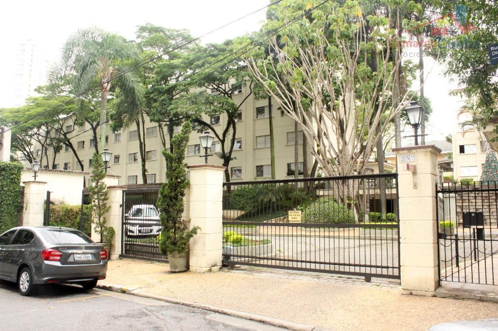 Apartamento bem localizado com 78 metros, 3 dormitórios sendo uma suíte e 1 vaga.