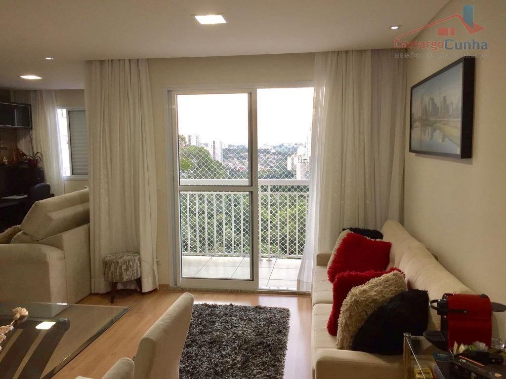 Apartamento bem localizado com 67 metros, 02 dormitórios sendo 01 suíte e 01 vaga.