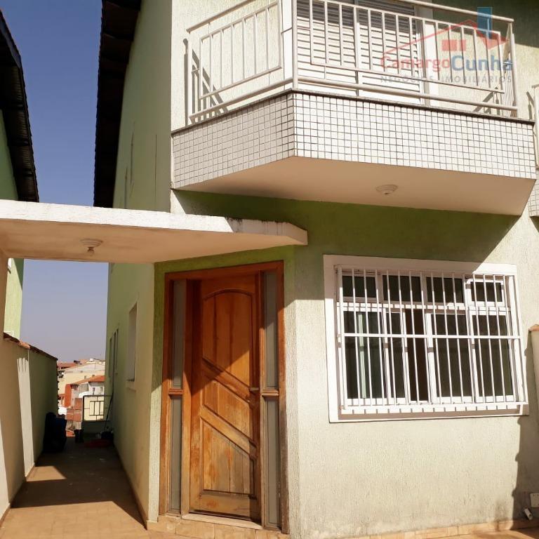 ACEITA PERMUTA!!! Casa ampla com 125 metros, possui 3 suítes e duas vagas.