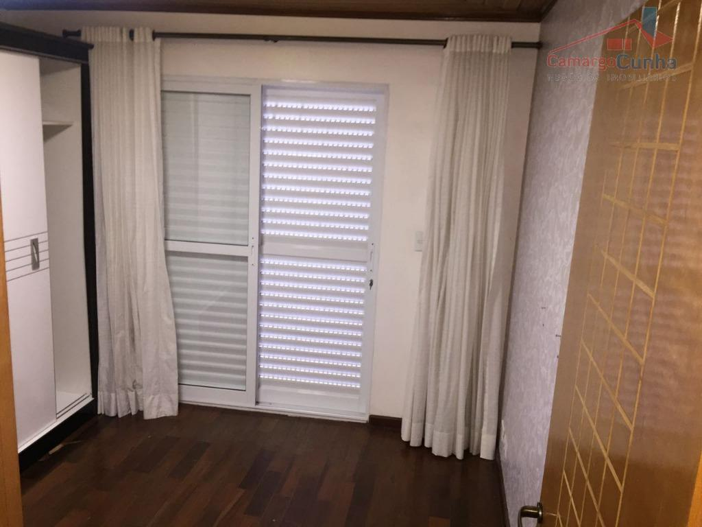 casa com 220 m², 03 dormitórios e 01 vaga de garagem com portão eletrônico, banheiro (2),...